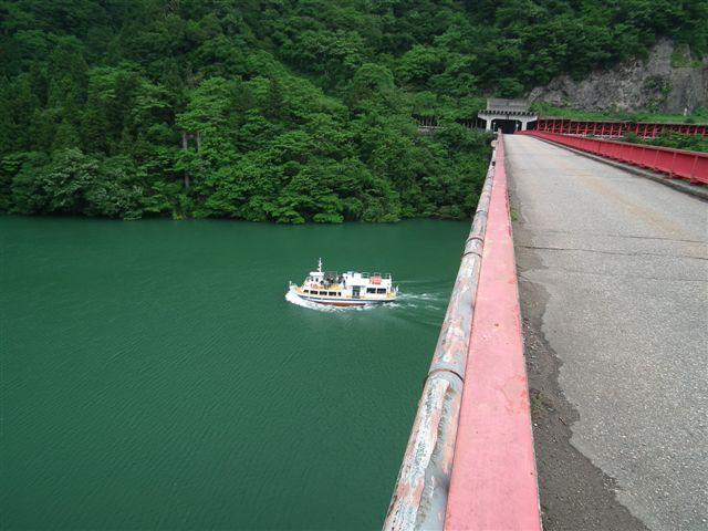 週末の庄川遊覧船 (2)