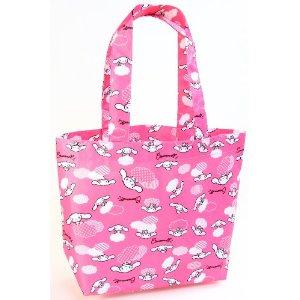 かわいらしいバッグだがお子様向けか。