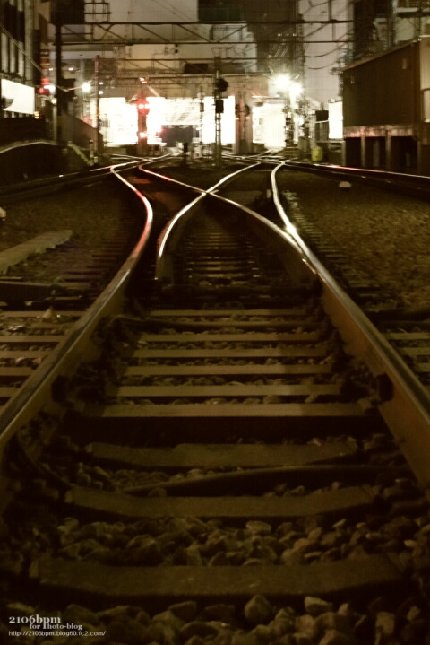 線路の先にある光