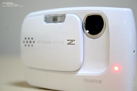 FINEPIX Z30 White(富士フイルム製)