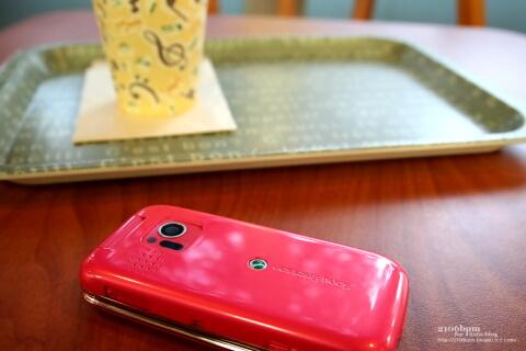 S002 Precious Pink(ソニー・エリクソン・モバイルコミュニケーションズ製)