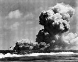 USS_Wasp_(CV-7)_burning_15_Sep_1942-2.jpg