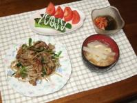 6/21 夕食 ラム野菜炒め、茹でアスパラとトマト、キムチもずく酢、大根と油揚げの味噌汁