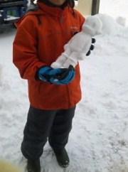 アトムの雪像と一緒に