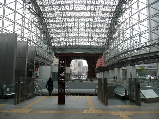 jrkanazawastation120307-1.jpg