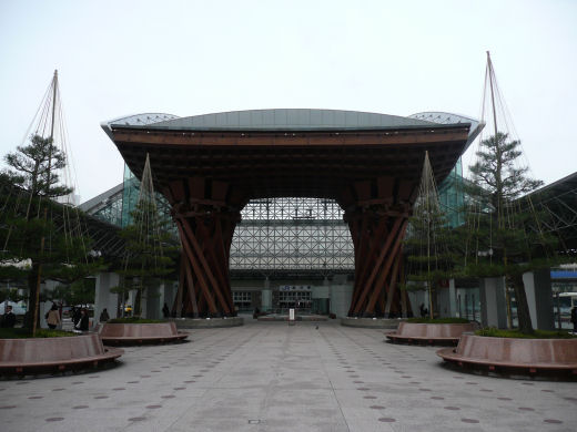 jrkanazawastation120307-3.jpg