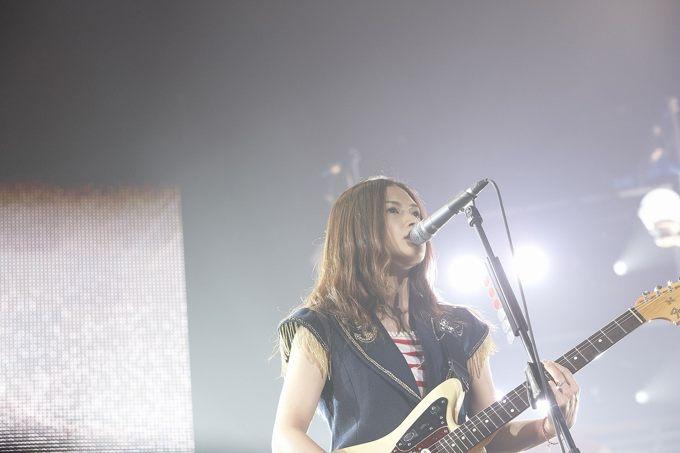 YUI 画像 武道館 2012