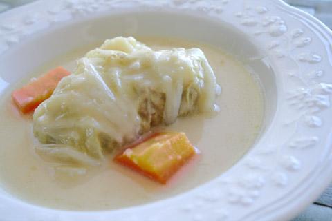 白菜ロールのクリームシチュー