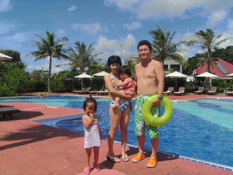 沖縄プールで