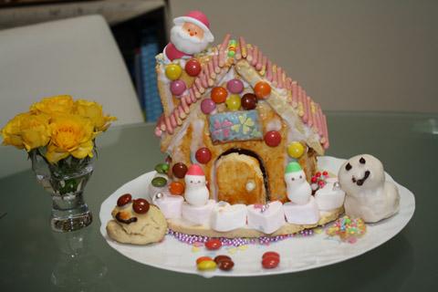 あかねちゃんのお菓子の家