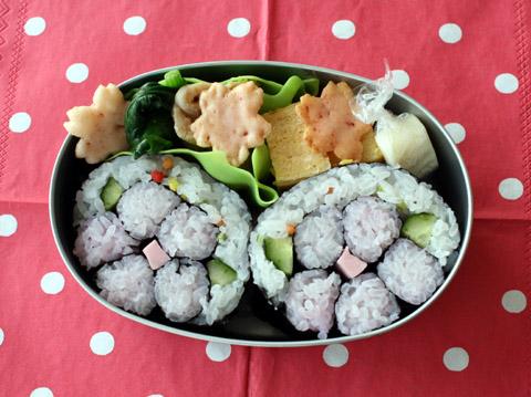 お花の巻き寿司弁当