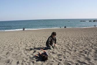 砂浜 あそぶ