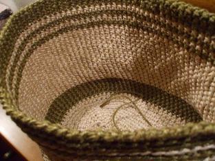 2011_0610畑 庭 麻糸編み始め0018
