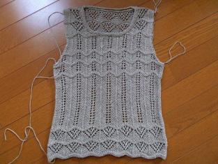 2011_0621麻セーター襟ぐり梅0001