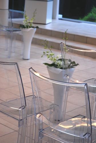 透明の椅子