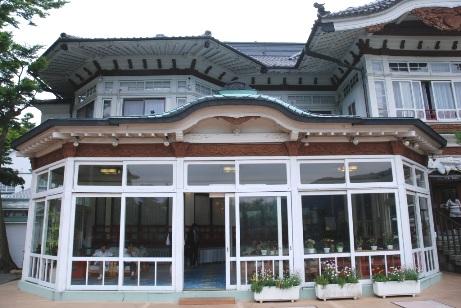 富士屋・サンルーム外観