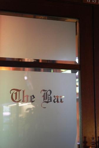 奈良ホテル・バーのドア