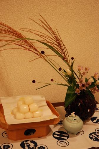 2010白あずき家のお月見団子