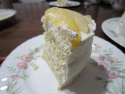 切ったケーキこっち