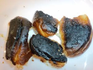 パン真っ黒