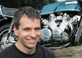 2003-10a.jpg