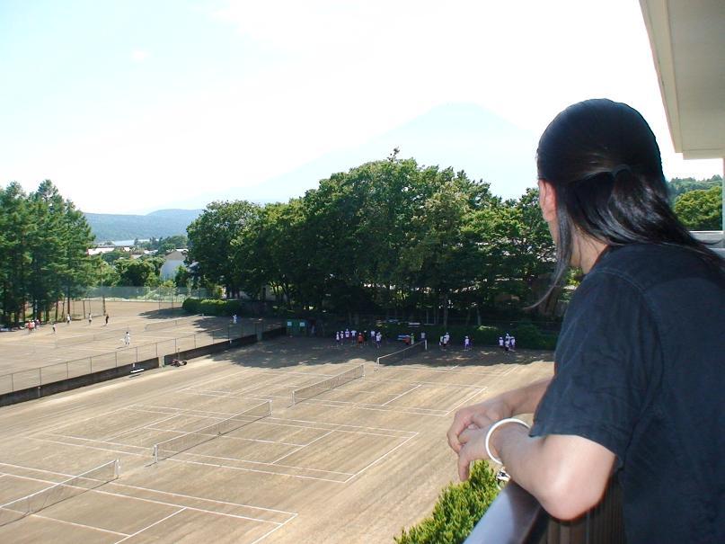 日本一の富士山と山中湖を望みながらスポーツできる合宿宿泊施設
