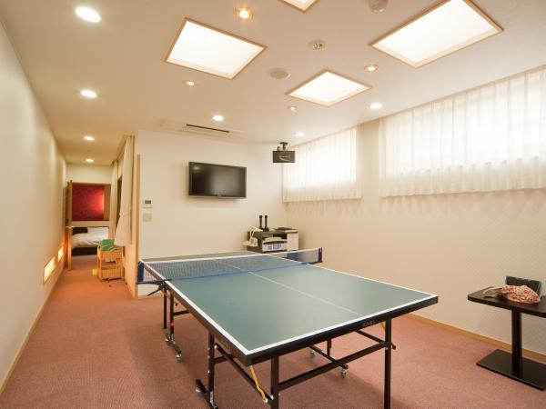 カラオケも卓球もできる露天風呂付客室