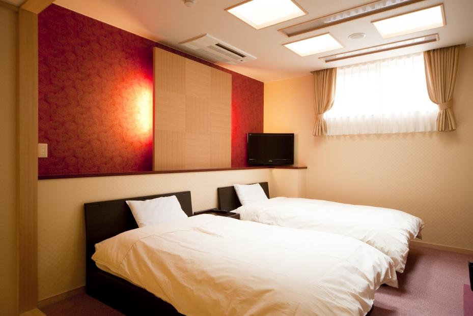 広々ベッド付き和洋室