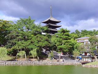 猿沢池と五重の塔