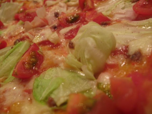 キャベツとプチトマトのPIZZA2