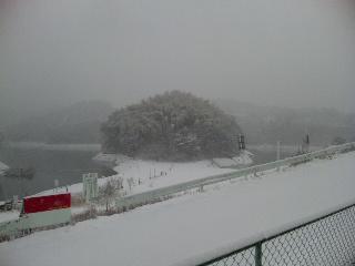 極寒布目ダム2