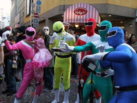 ゴレンジャーの仮装をした人達