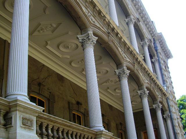 イオラニ宮殿円柱