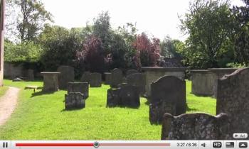 ハリー・ポッター撮影の寺院で幽霊を目撃 by YouTube