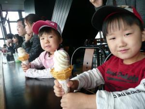 2010・5・30東京タワー展望台にてアイスを