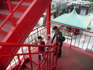 2010・5・30東京タワー階段で降りてみました