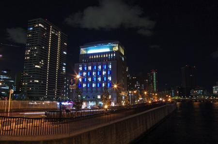 田蓑橋より大阪大学中之島センター