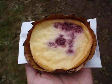 木苺のカスタードケーキ