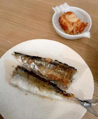 今年最後かな?秋刀魚の塩焼き 2009.10.13