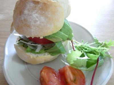 厚みたっぷり、野菜たっぷり、サンドイッチ 2009.10.14