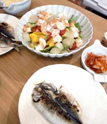 アジの干物と彩りサラダ 2009.10.30