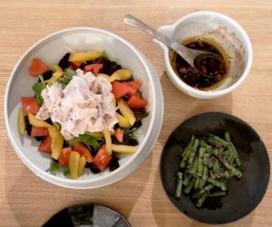 豚しゃぶサラダといんげんの胡麻和え 2009.10.31