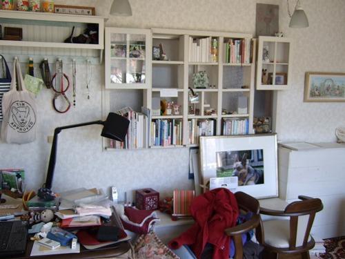 地震なので家具の移動 001
