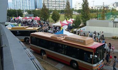 バス祭り会場