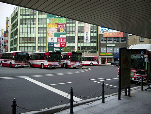 枚方市駅バスターミナル2