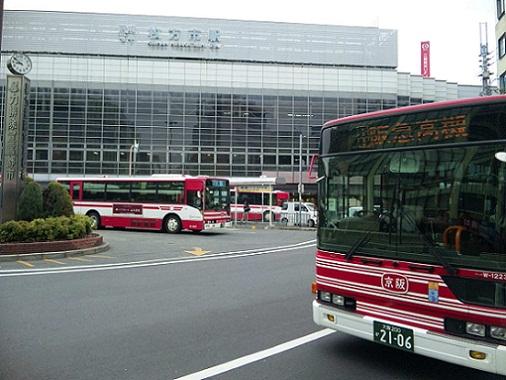 枚方市駅バスターミナル1