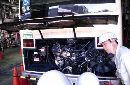 バスエンジン