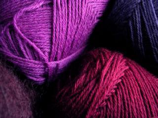 4色の毛糸