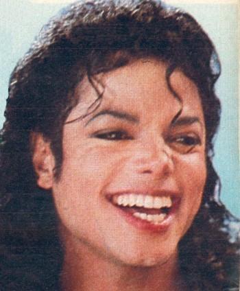 That-smile-again-michael-jackson-10058389-350-424.jpg