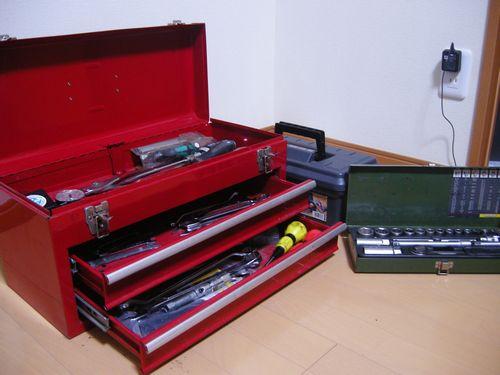 工具とウクレレとタワー 017